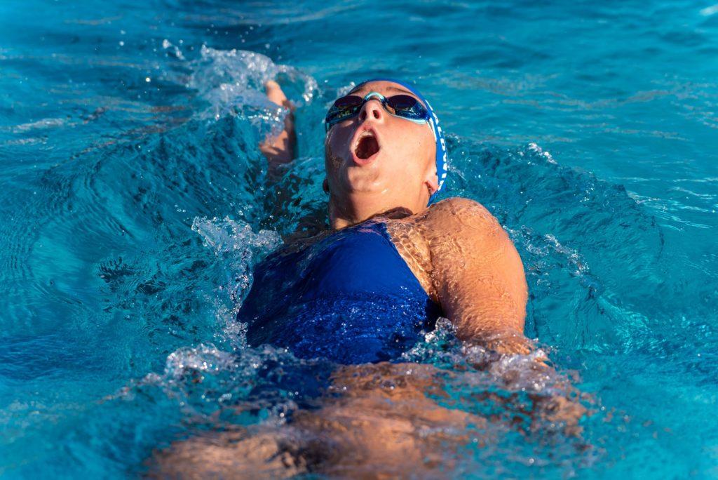 【大学生、一般成人】背泳ぎの平均タイム【距離別、男女別】